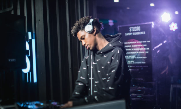 "SPORTSCENE STUDIO DJ SERIES: 5 MINUTES WITH DJ KHANYA ""THE VOICE"" HADEBE"